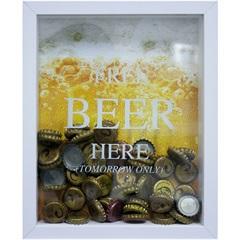 Quadro Porta Tampa em Madeira Free Beer Here 22x27cm Branco E Amarelo
